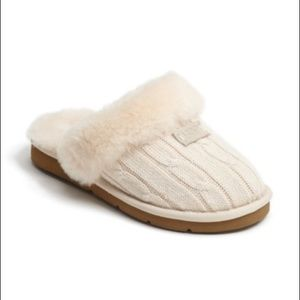 UGG CREAM GENUINE SHEARLING LINED KNIT SLIPPERS